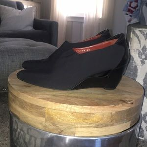 Donald J Pliner Black Crepe Elastic/Baby Calf Boot